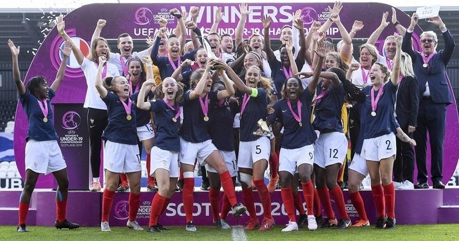 La Francia femminile alza al cielo la coppa Euro U19
