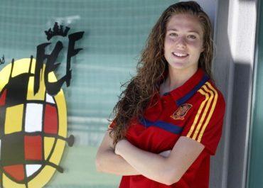 Celia Jimenez con la maglia della Spagna