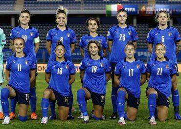 Le azzurre della nazionale femminile di calcio