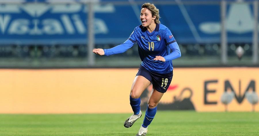Valentina Giacinti con la Nazionale